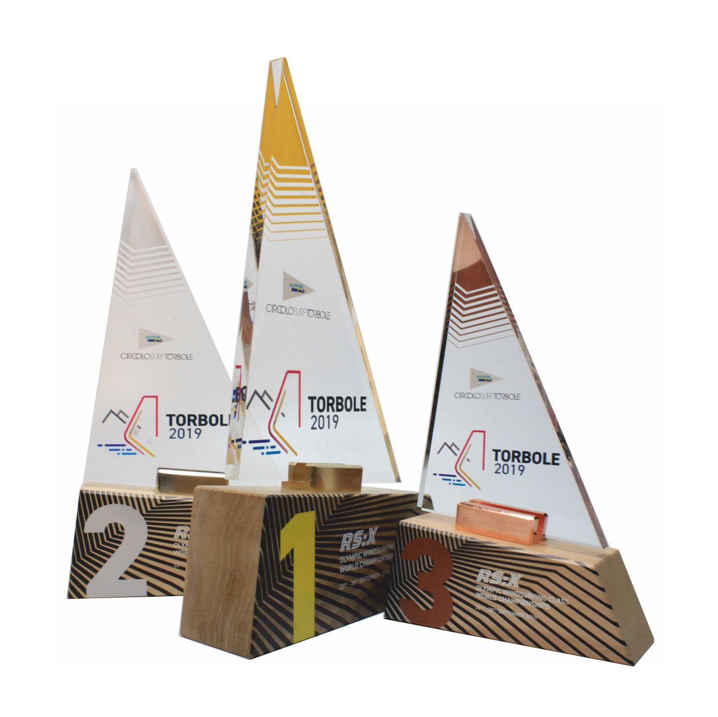Trofei con base in legno e plexiglass