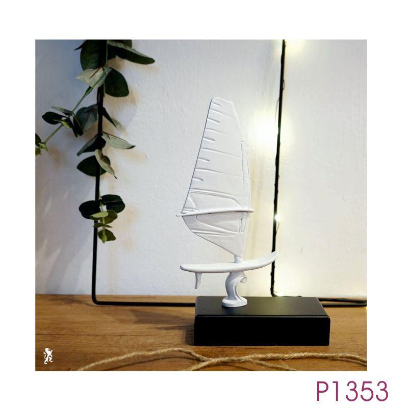 P1353.jpg